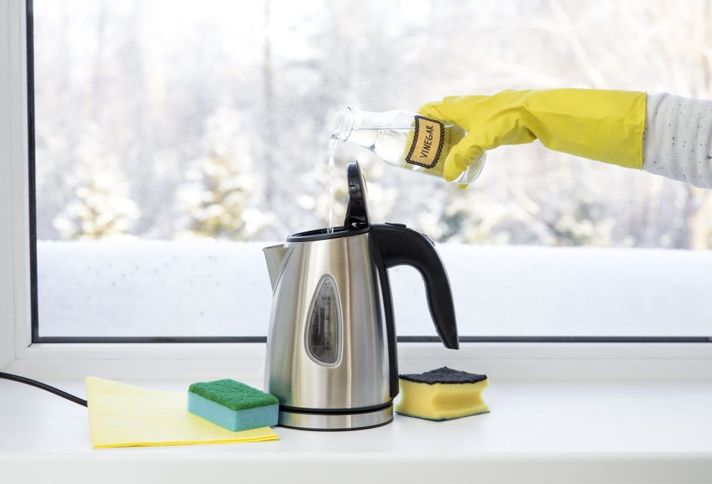 how-to-clean-an-electric-kettle-1582210366